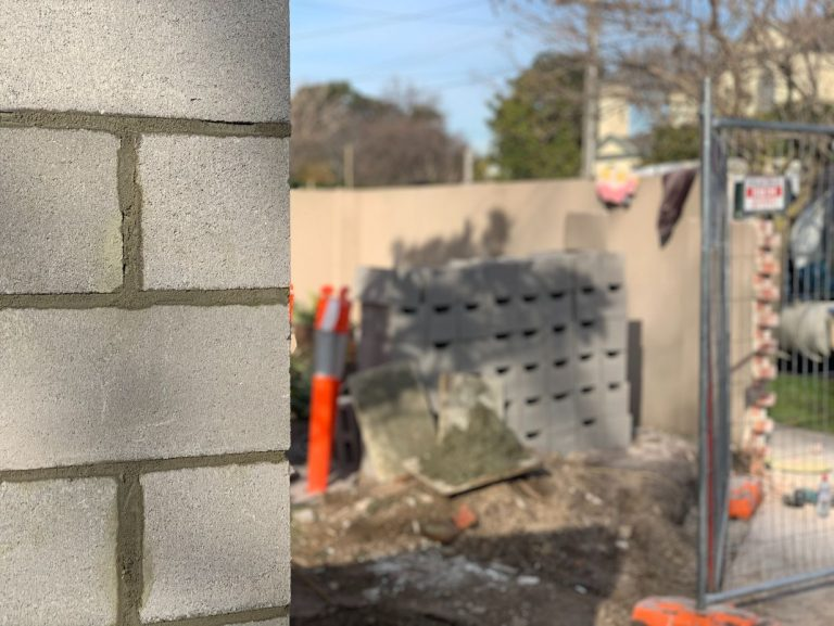 Photo of a bricklaying laying a retaining wall Middle Ridge, Toowoomba