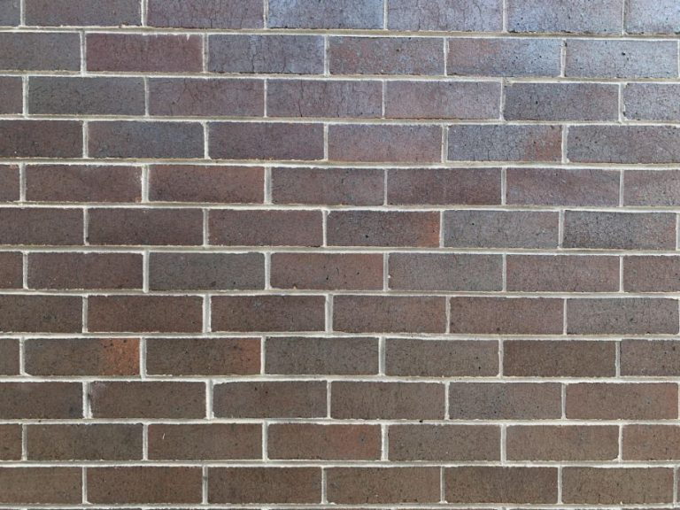 A block wall being laid by a bricklayer from Toowoomba Bricklayers